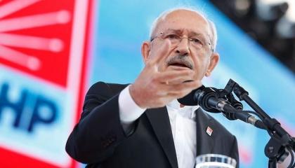 زعيم المعارضة التركية لأردوغان: مصر صديقتنا وسفراؤك المرتشون يصورونها عدوًا