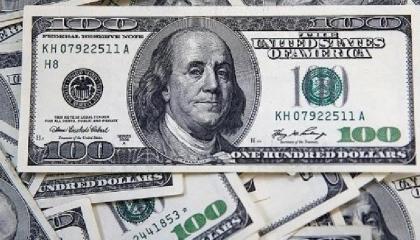 الليرة التركية تواصل انهيارها أمام الدولار الأمريكي وتكسر حاجز 7.40