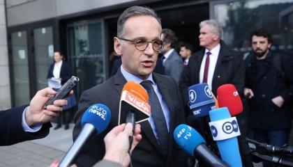 ألمانيا تُلمح إلى فرض عقوبات على تركيا حال استمرار إرسال الأسلحة إلى ليبيا