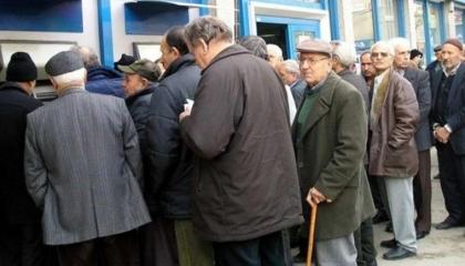 الحرمان من المعاشات.. مأساة جديدة تواجه كبار السن في سوق العمل بتركيا
