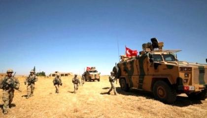 انفجار سيارة دورية عسكرية تركية روسية في إدلب السورية