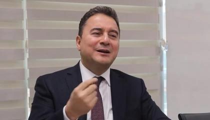 باباجان: من كان يصدق أن تتفق مصر مع اليونان ضدنا؟