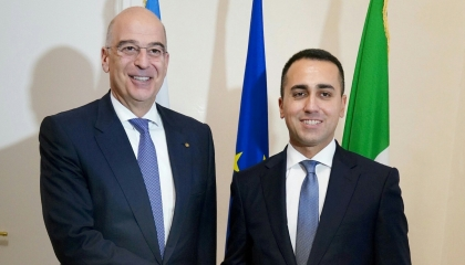 مكالمة هاتفية بين وزير خارجية اليونان ونظيره الإيطالي حول القضايا الإقليمية