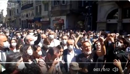 بالفيديو.. محاميو إسطنبول يتظاهرون بعد وفاة «تيمتيك» داخل سجون أردوغان