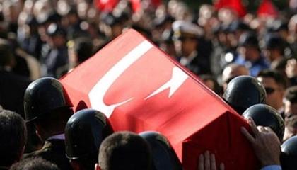 مقتل جندي تركي بقاعدة شمدينلي.. و«الدفاع»: اختل توازنه وسقط على الأرض