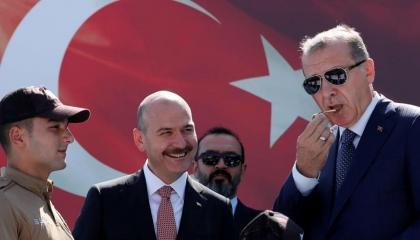 تقرير أمريكي: صويلو أمل شباب «العدالة والتنمية» بعد يأسهم من أردوغان