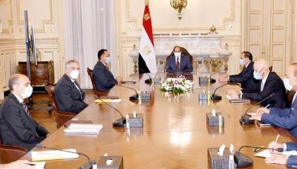 السيسي يوجه بتكثيف التعاون مع «إيني» الإيطالية في قطاع البترول بمصر
