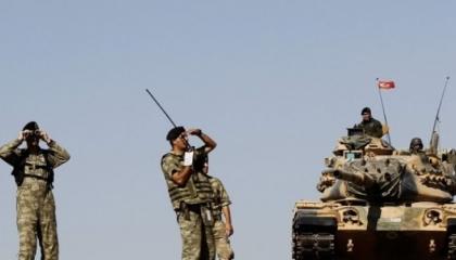 الاحتلال التركي يفتتح نقطة عسكرية جديدة بمنطقة خفض التصعيد بإدلب