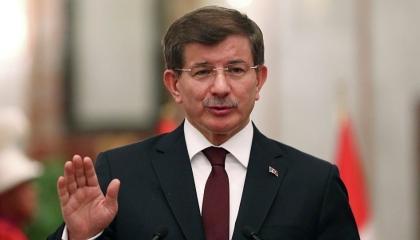 داود أوغلو  لأردوغان: هل انهيار الليرة يعني انتصار الدولار على الله؟!