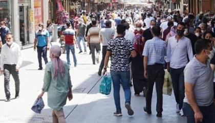 مواطن تركي: الأسعار تزيد كل يوم ولا أستطيع إرسال ابني إلى المدرسة