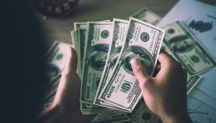انهيار أسطورة اقتصاد أردوغان.. الدولار بـ7.45 ليرة لأول مرة في تاريخ تركيا