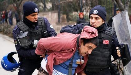 بالفيديو.. أتراك أمام محكمة حقوق الإنسان بأوروبا: «كفاية ظلم»