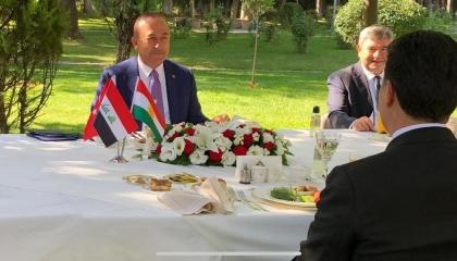 فضيحة.. جاويش أوغلو يمحو علم كردستان العراق من صورٍ جمعته برئيس الإقليم