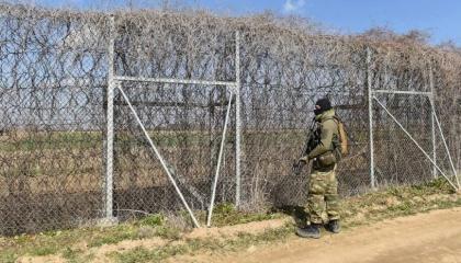 اليونان ترسل 530 جنديًّا إلى الحدود