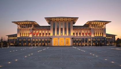 تركوهم جوعى.. القصر الرئاسي التركي يحرم عمال وزارة المالية من طعام الغداء