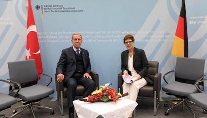 وزير الدفاع التركي لنظيرته الألمانية: لن نتنازل عن حقوقنا في شرق المتوسط