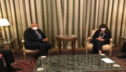 رئيسة اليونان تستقبل وزير الخارجية المصري وتشيد بدور القاهرة في المنطقة