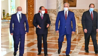 السيسي يلتقي عقيلة صالح وحفتر بحضور رئيس المخابرات المصرية
