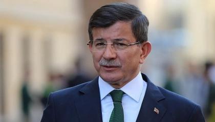 فيديو.. داود أوغلو على الملأ: أردوغان يحاول إعادة تركيا إلى النظام العسكري