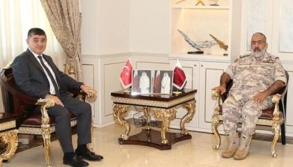 رئيس الأركان القطري يبحث مع السفير التركي تعزيز العلاقات الثنائية
