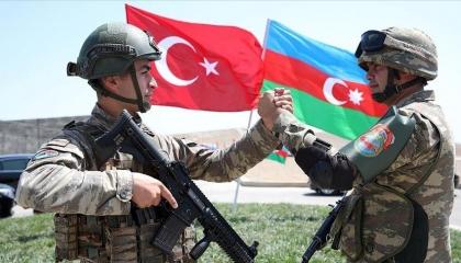 وزارة الدفاع التركية تغير واجهة صفحاتها الإلكترونية للتضامن مع أذربيجان