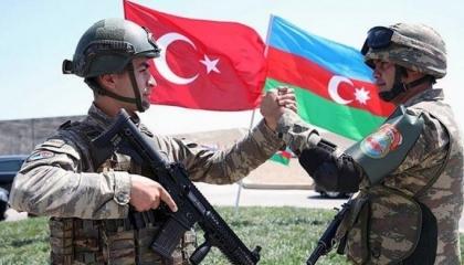 أنقرة تعتزم إنشاء قاعدتين عسكريتين بأذربيجان..هل تتحول باكو لمستعمرة تركية؟