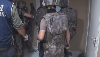 تركيا تشنّ حملات أمنية فجرًا على 8 أحياء بإسطنبول بحجة مكافحة «داعش»