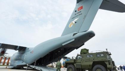 استمرار الجسر الجوي التركي لمصراتة.. هل تنقل أنقرة الميليشيات إلى أذربيجان؟