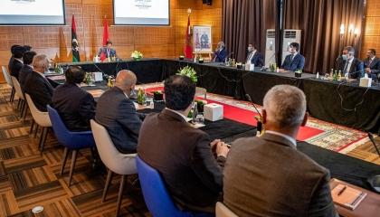 رسميًا.. الفرقاء الليبيون يستأنفون المفاوضات في المغرب الليلة
