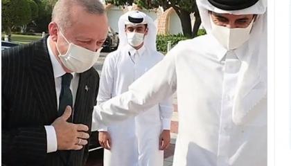 حزب الشعب التركي: أمير قطر ينظر بـ«ازدراء» لأردوغان