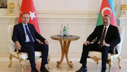 العملة الأذرية بـ4 أضعاف الليرة.. وأردوغان يساعد باكو من خزينة الأتراك