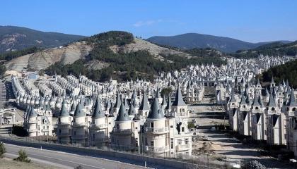 توقف مشروع «برج البابس» التركي للمرة الثالثة.. والشركة تتقدم بطلب إفلاس