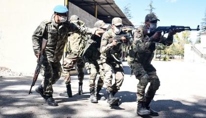 الجيش التركي يواصل تدريب عناصر حكومة «الوفاق» عسكريًا