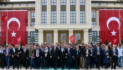«الأضواء مشتعلة» كلمة السر.. «الدستورية» التركية تهدد أردوغان بـ«الانقلاب»