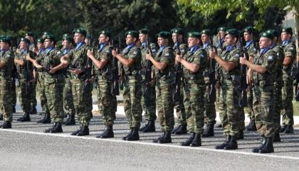 الجيش اليوناني يتأهب لمواجهة أي استفزاز تركي محتمل في المتوسط