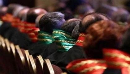 بمرسوم رئاسي من أردوغان.. قرارات إقالة وإعادة هيكلة تطال 359 قاضيًا