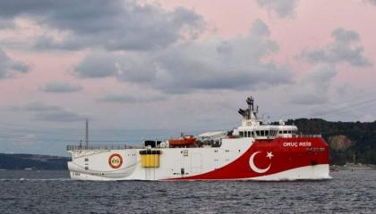 صحف أثينا تحذر: سفينة «أوروتش رئيس» التركية تقترب من السواحل اليونانية