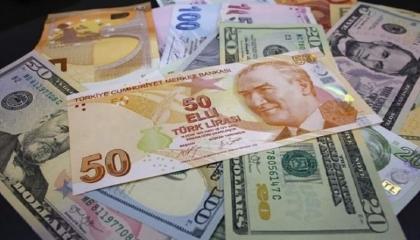 الدولار يلامس الـ8 ليرات لأول مرة في التاريخ.. عملة أردوغان تهوي
