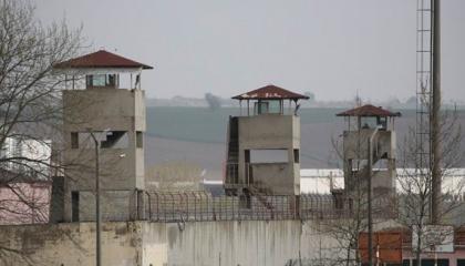 سجون مرمرة تسجل أكثر من 700 حالة انتهاك وعنف متعمد ضد المعتقلين