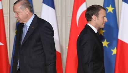 فرنسا تعلن استدعاء سفيرها في أنقرة للتشاور احتجاجًا على «بذاءات» أردوغان