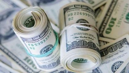 الدولار يتخطى حاجز الـ8 ليرات لأول مرة في تاريخ تركيا