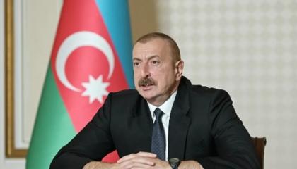رئيس أذربيجان يتهم الداعين إلى السلام في كاراباخ بتزويد أرمينيا بالسلاح