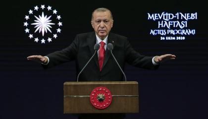 بعد عام من العدوان.. أردوغان يهدد باجتياح كامل سوريا