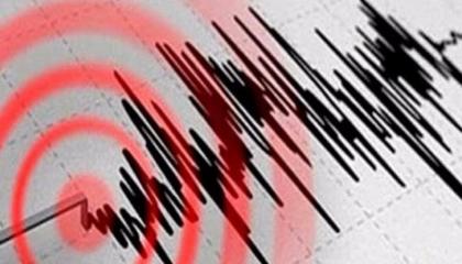 زلزال جديد يضرب مدينة إزمير المنكوبة بقوة 4.2 درجة على مقياس ريختر