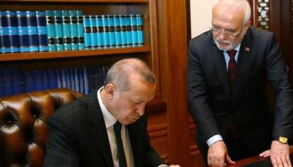 وثائق: أردوغان أصدر تعليمات بتجاهل أحكام القانون للتستر على مخالفات حلفائه