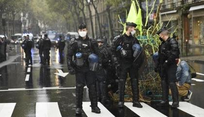 الجيش الفرنسي ينزل الشوارع بعد تهديدات تركية بتنفيذ عمليات إرهابية