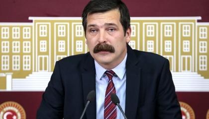 بالفيديو.. رئيس «العمال» التركي يستنكر تعنيف وزير لطفل بكى أمه بعد الزلزال
