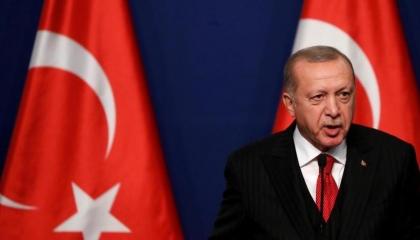 هل أفلس أردوغان؟ الرئيس التركي يعود للمتاجرة بورقة اللاجئين مجددًا