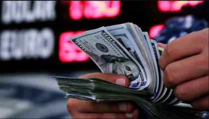 الدولار الأمريكي يقفز إلى 8 ليرات تركية بعد 3 ساعات من فتح التداولات