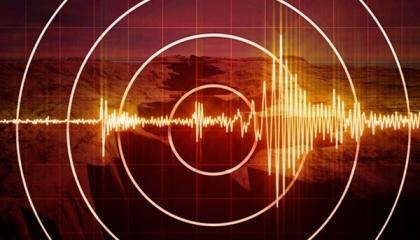 زلزال بقوة 4.2 دجة يضرب مدينة إزمير التركية